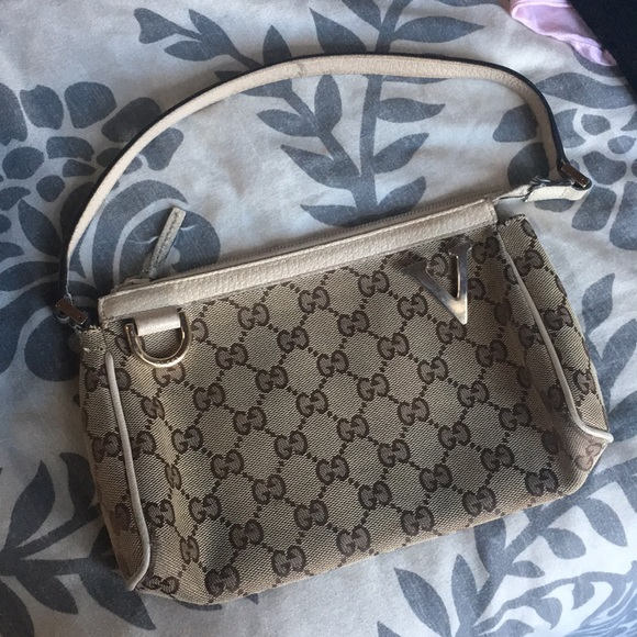 5a23efcb56 Gucci Bags | Authentic Purse Handbag With Serial Number | Poshmark